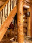 timber_detail_handcarved_pillar_2.jpg